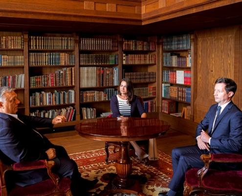François-Xavier Bellamy avec Viktor Orban et Katalin Novak